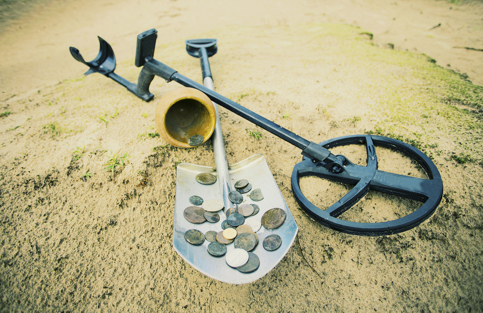 Finding gold with metal detector